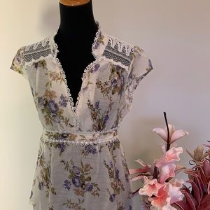 Poetry top with lace features size M